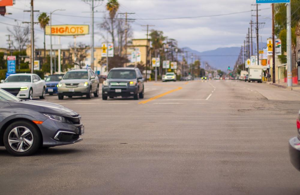 Clovis CA - Car Crash Injures Four at Welbam & Auberry Rd