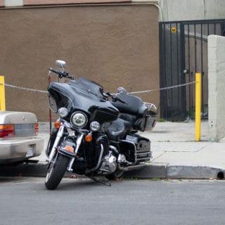 Redwood City CA - Injury Motorcycle Crash on Fair Oaks Ave